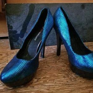 JustFab Shoes - Blue shiny heels